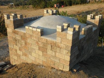 Castle construction building a split face block castle for Split face block house